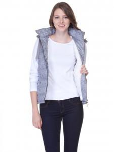 Değişik bir model yeleğimizin içine aynı bu şekilde beyaz bir kazakla ve altına açık renk bir jeanle harika bir kombin yapabilirsiniz lcw markalı fiyatı 59.99 TL.